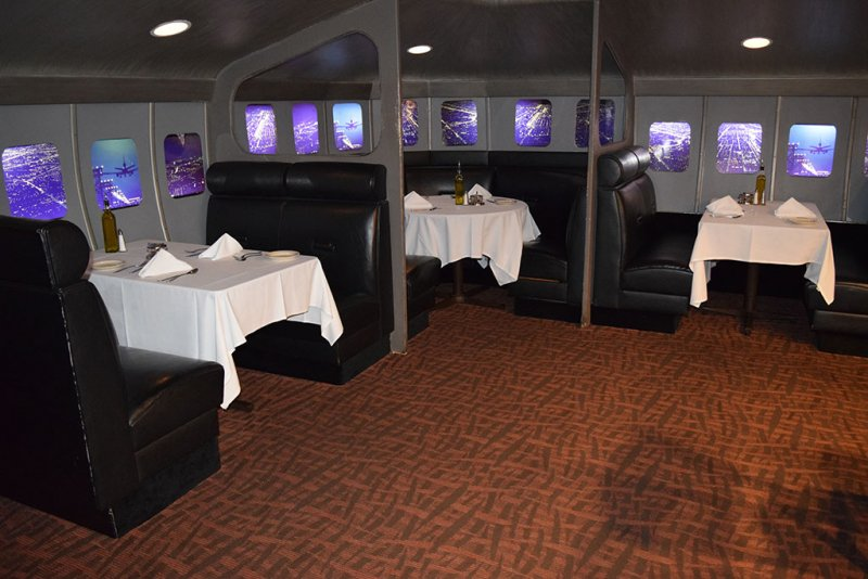 restaurant-carpeting-runway-84-ft-lauderdale.jpg